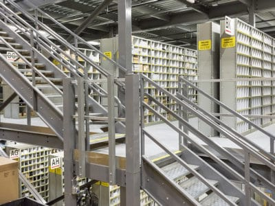 Closed Steel Shelving Auto Parts Storage